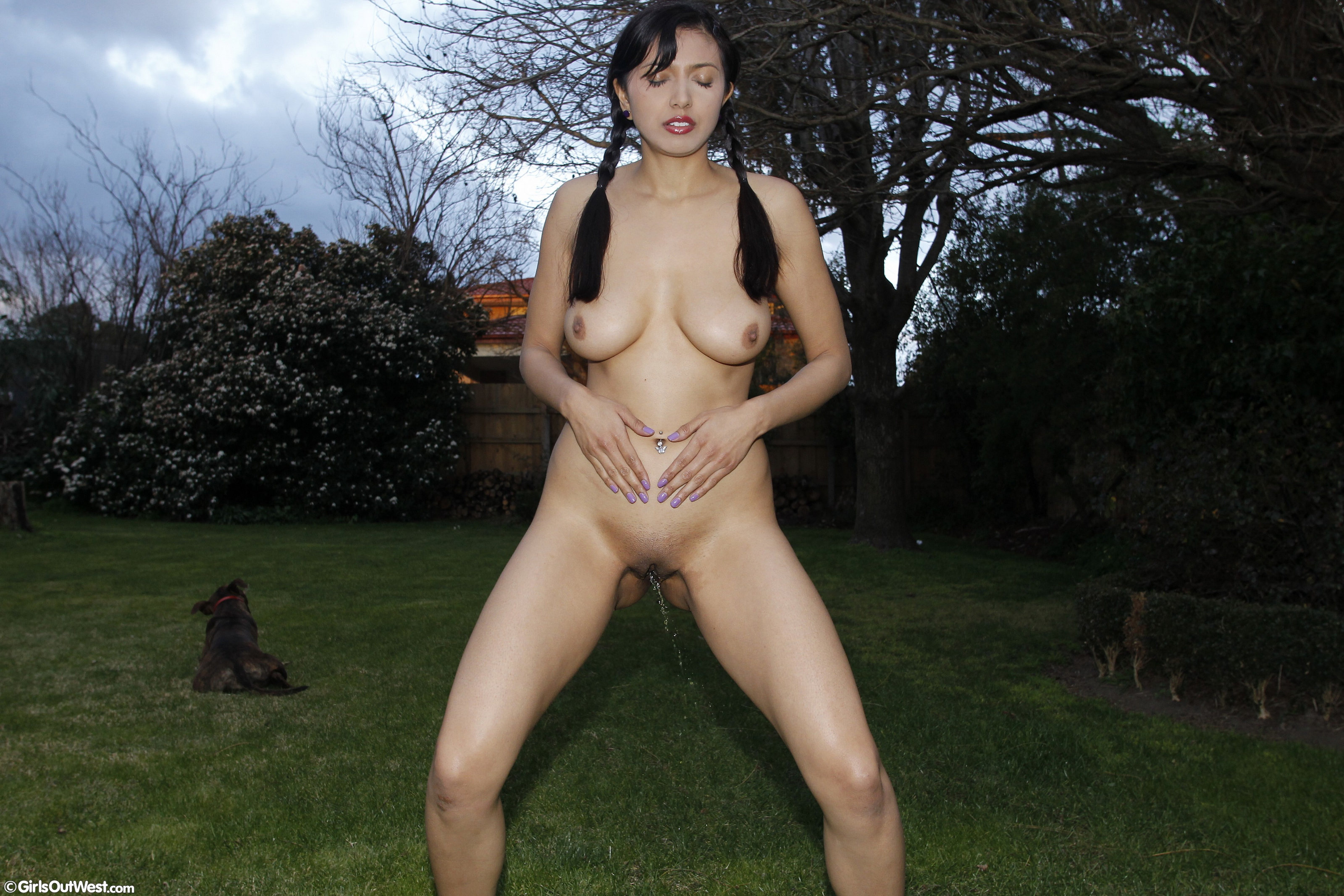 Amateur her orgasm small girl makes big 9