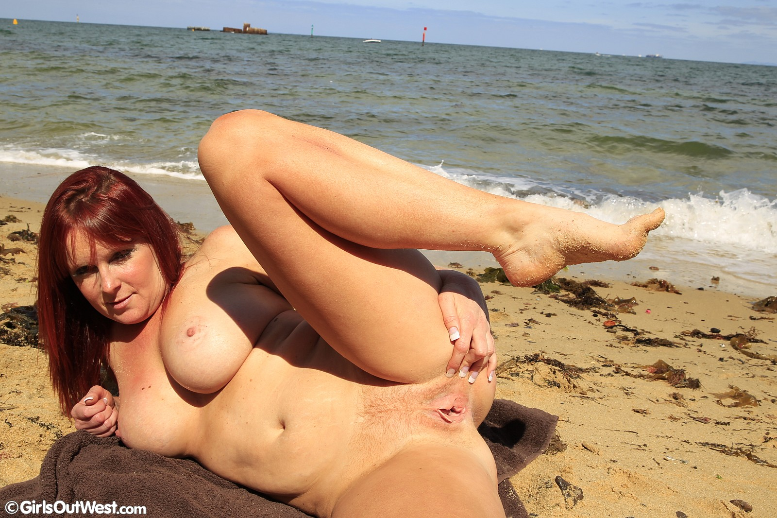 girls-out-west-busty-amateur-milf-posing-at-the-beach-14 | girls out