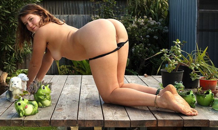 Bgg outdoor uncensored brunette