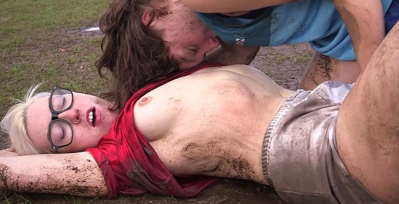 Hairy lesbian tradies peeing and oral sex 4